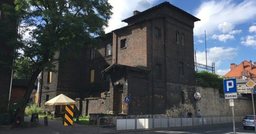 Co dalej z zabytkowym budynkiem przy Lwowskiej 6?