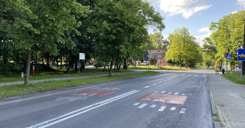 Na razie nie będzie sygnalizacji świetlnej na skrzyżowaniu ulic Pod Młynem i Milowickiej